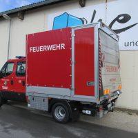 Bild eines Versorgungsfahrzeuges in Pritschenausführung mit Plane der FF Rückersdorf